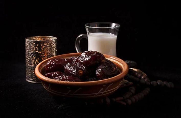 رجيم التمر والماء والحليب ..