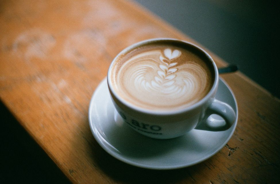هل الحليب مع النسكافيه يزيد الوزن أم أنه ينقصه؟