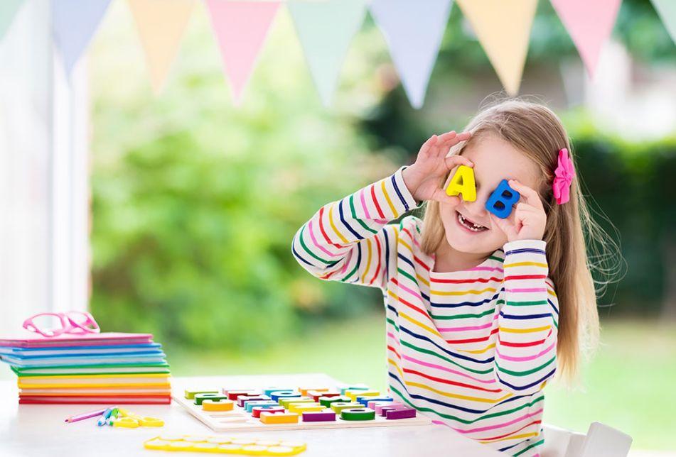 هل تريد لطفلك تعلم الإنجليزي؟ إليك أفضل 8 مواقع تعليم الإنجليزي للأطفال
