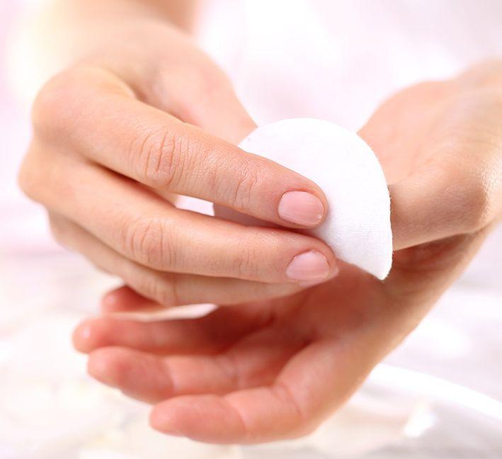 16 مزيل مناكير طبيعي موجود في منزلك لمواجهة الحالات الطارئة والتعامل معها