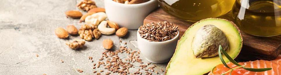 10 – تأكد من تناول المزيد من الدهون الصحية زيادة المناعة في الجسم