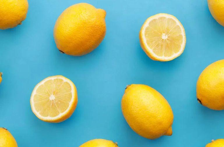 أفضل 10 وصفات تضمن علاج الكلف بالليمون خلال أسبوع