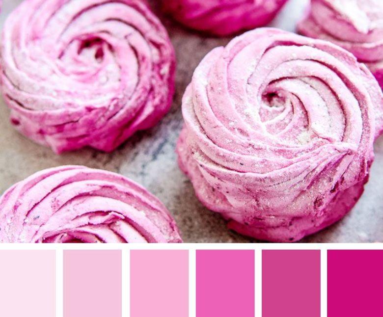 الألوان الوردية التي تناسب اللون الرمادي