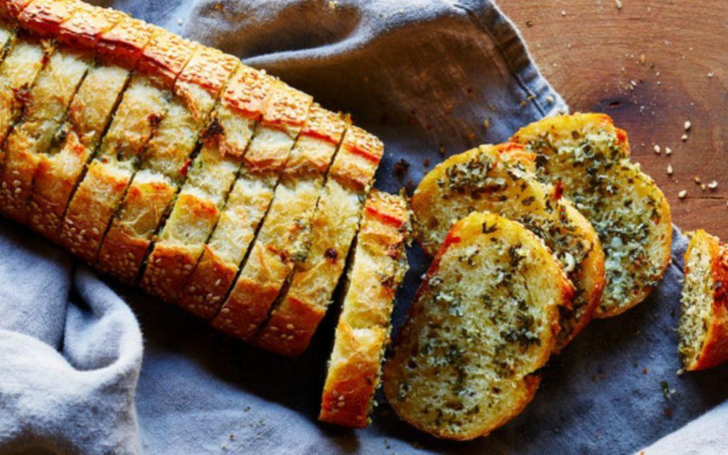 خبز بالثوم – الوصفة