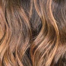 10 – القرفة Sun Kissed Cinnamon صبغات تناسب البشرة الحنطية الفاتحة