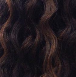 8 - تجعيد الشعر البني الداكن عبارة عن أصباغ مناسبة للبشرة ذات اللون البني الفاتح