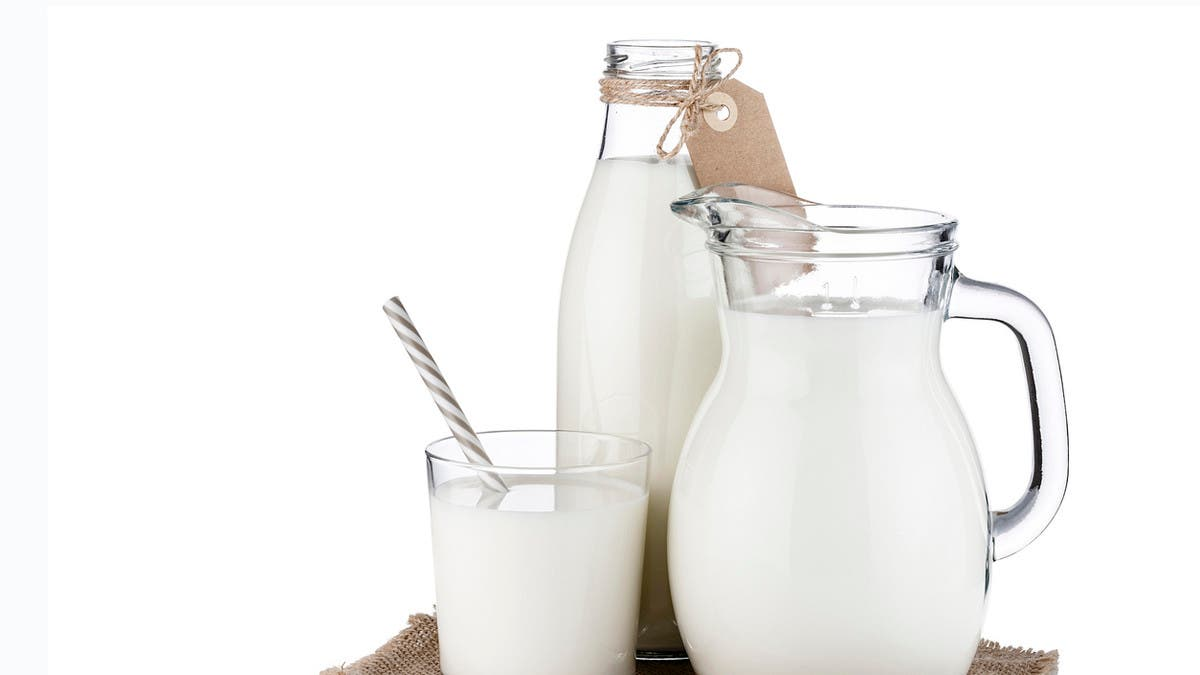خصائص الحليب خالي الدسم