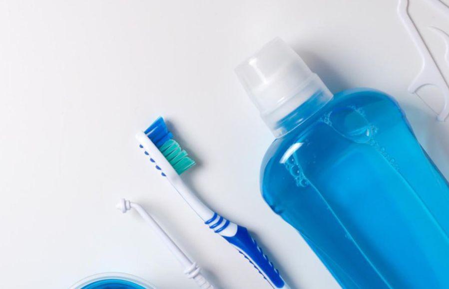 كيفية استعمال غسول الفم الأضرار