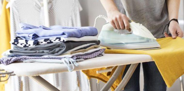 3 – عليك الاعتناء بملابسك بشكل جيد تنسيق ملابس للجامعة