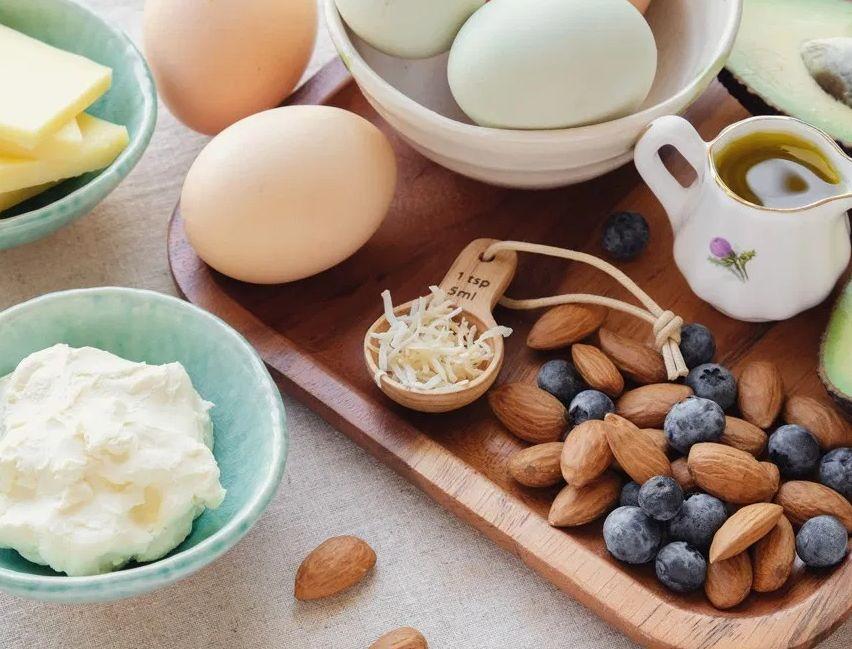 الزيوت و أنواع الزبدة المسموحة في الكيتو ..