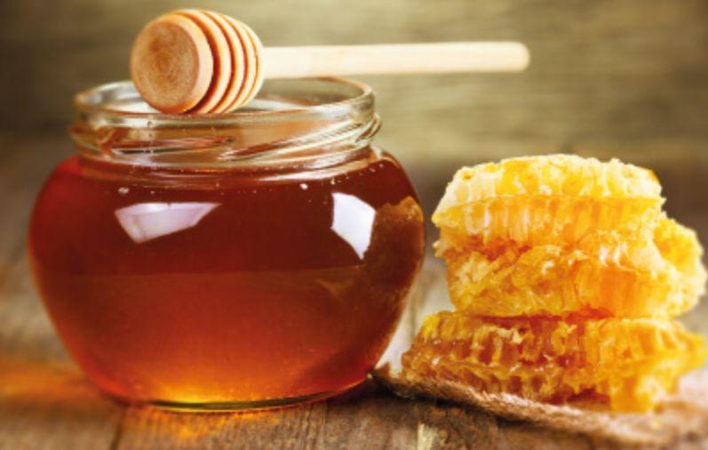 العسل للرجيم هل العسل يسمن أم أنه يساعد في خسارة الوزن؟