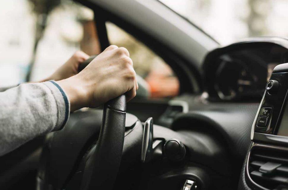 هل قيادة السيارة صعبة؟ الخوف من قيادة السيارة درايفوفوبيا