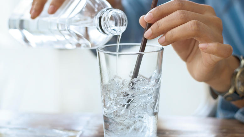 فوائد شرب ماء بارد