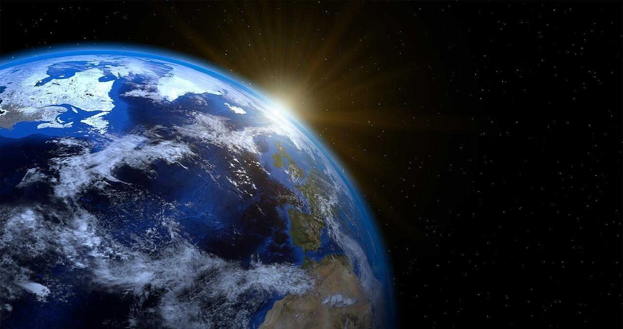 ما شكل كوكب الارض