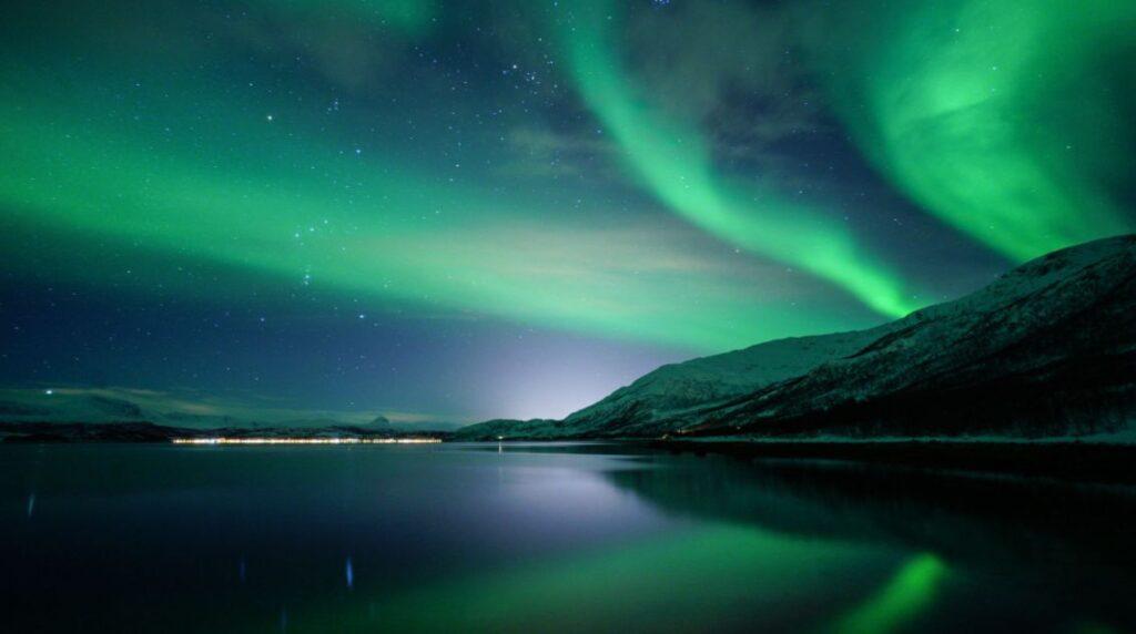 ما هو الشفق القطبي أو الأضواء القطبية؟
