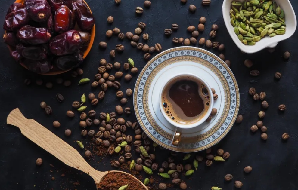 مكونات القهوة العربية وطريقة تحضيرها