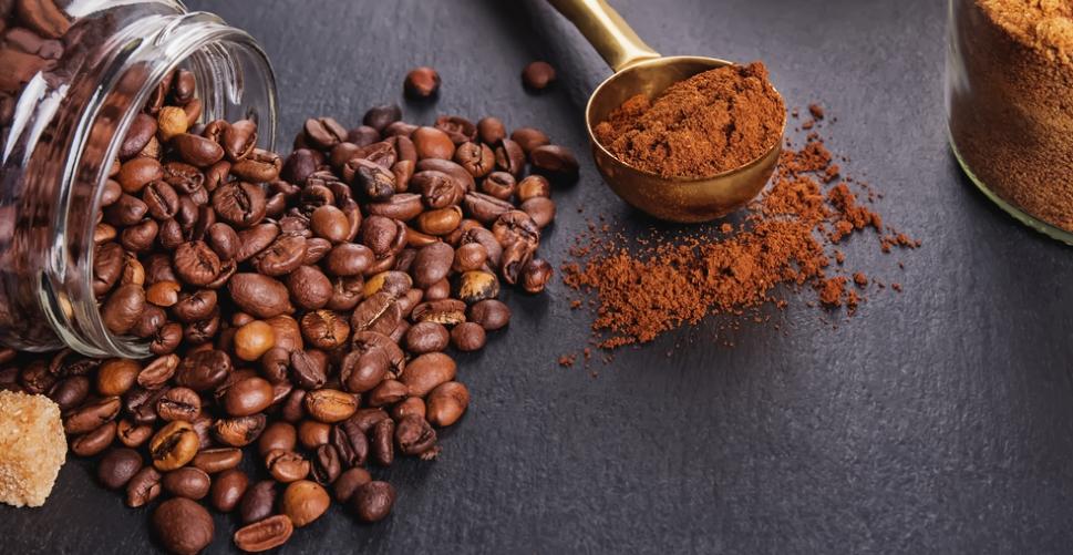 ما الفرق بين القهوة والنسكافيه؟