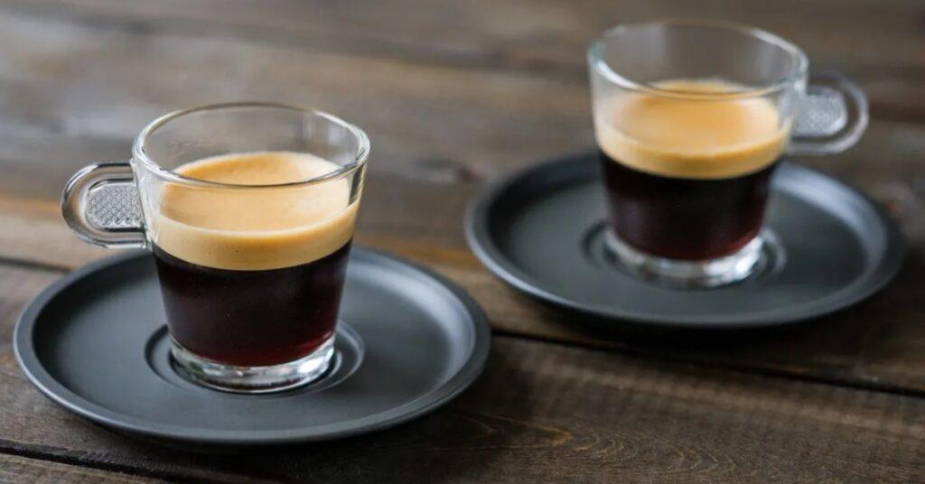 1 – القهوة الفرنسية un Café