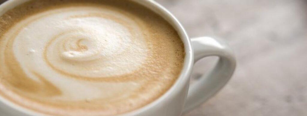 4 – القهوة الفرنسية بالكريمة Café Crème