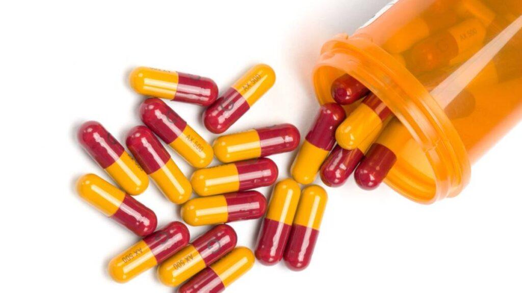 علاج التهاب الحلق دوائيًا