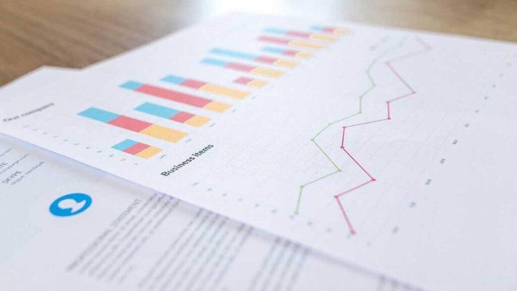 3 – حدد المعلومات والبيانات التي ستعرضها في التقرير