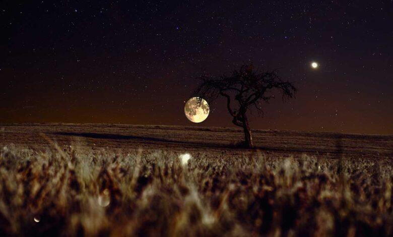 لماذا لا يسقط القمر على الأرض؟ هل هو معلق بمسمار أو مربوط بخيط؟