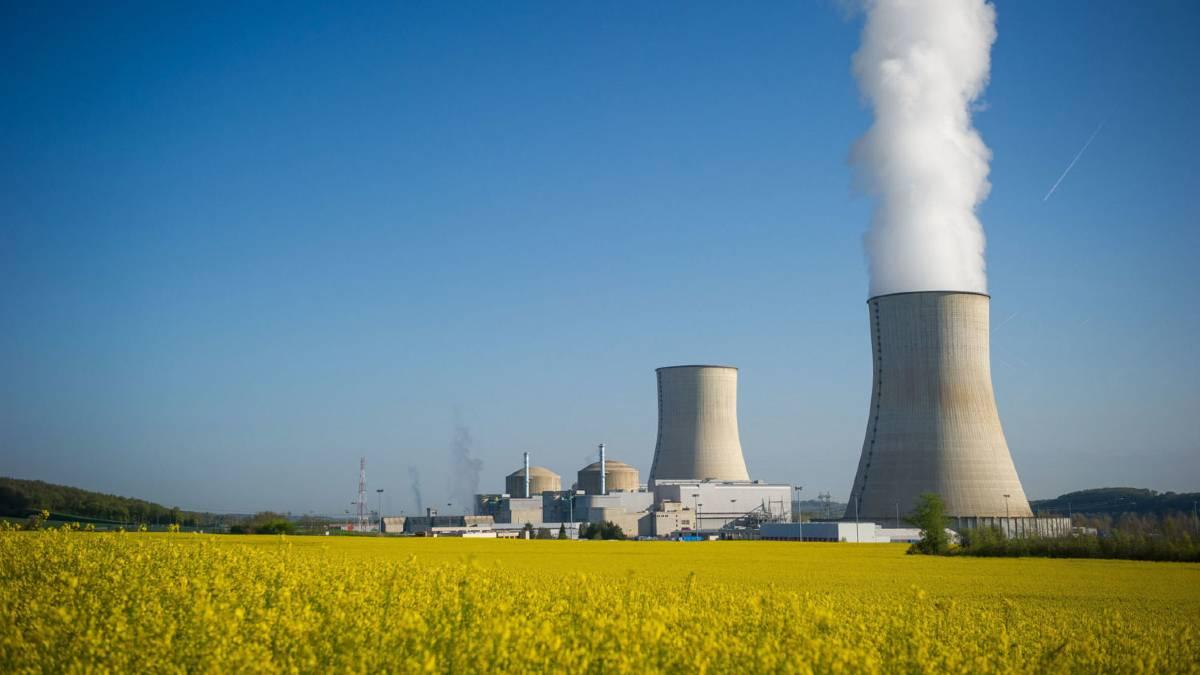 هل الطاقة النووية متجددة