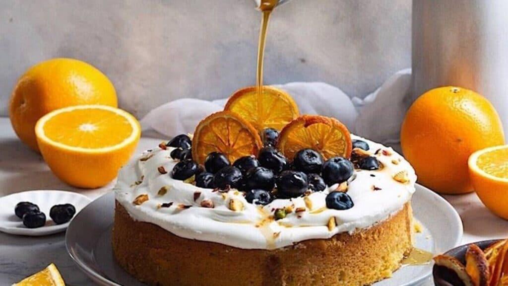 طريقة تحضير كيكة البرتقال مع صلصة التوفي