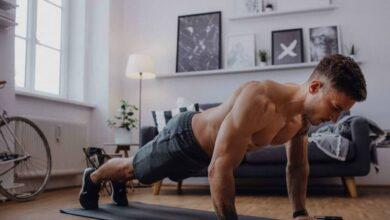 يعد تمرين الضغط من أفضل التمارين التي تُمارس لتقوية العضلات الصدرية، تعرف على فوائد تمرين الضغط، وكيفية القيام به بالشكل الصحيح.
